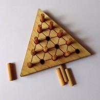 Солитер треугольный